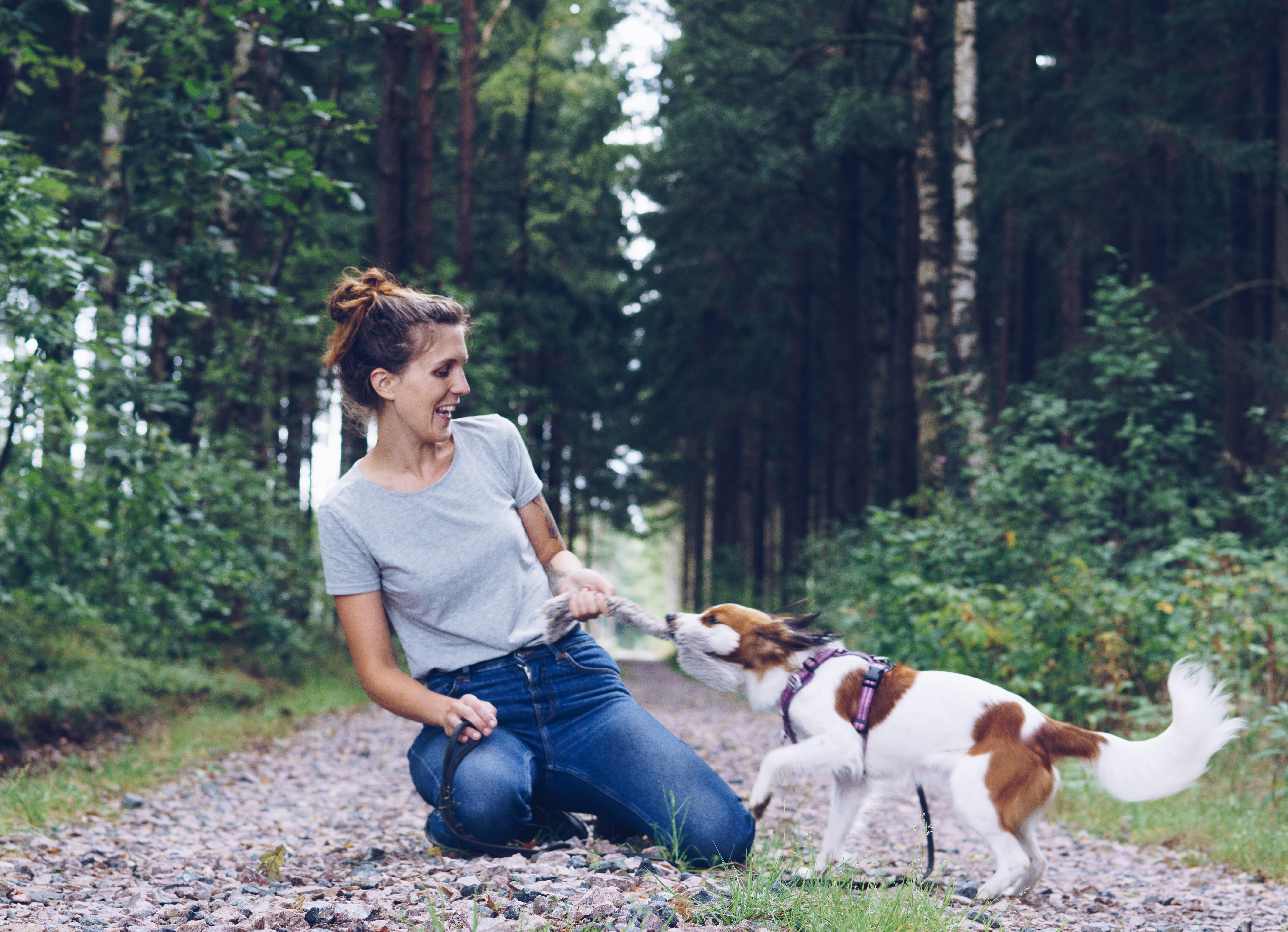 Hundinstruktör Lilly: Lek & lös problem